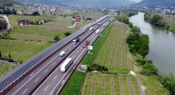Vollsperrung einer viel befahrenen Autobahn in Italien – der Grund hierfür ist sonderlich