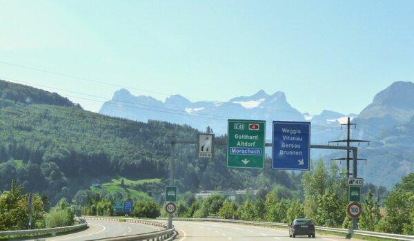 Šveicarai didina kelių rinkliavą. Pažiūrėkite, kurioms transporto priemonėms