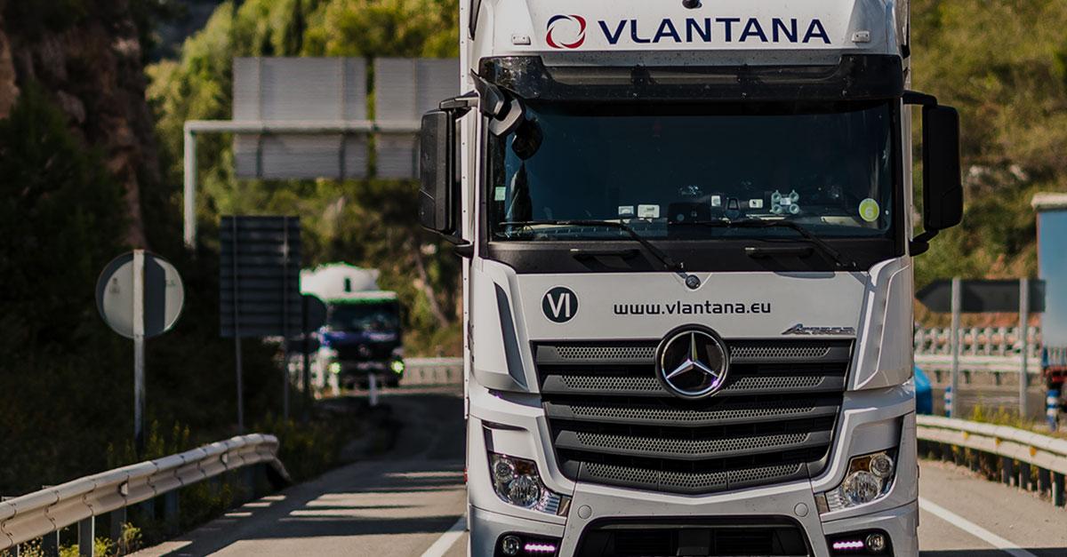 Șoferii est-europeni câștigă în instanţă procesul intentat transportatorului Vlantana și primesc despăgubiri salariale semnificative