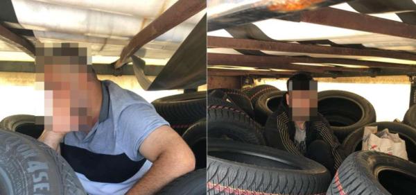 Șofer arestat la PTF Giurgiu pentru că în vehicul au fost găsiți migranți, ascunși într-un compartim