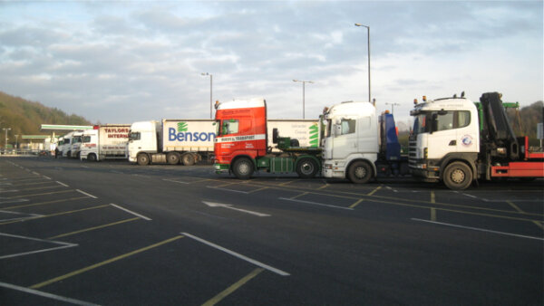 """Marea Britanie I Șoferii de camion amenință cu proteste: """"Suntem coloana vertebrală a economiei. Făr"""