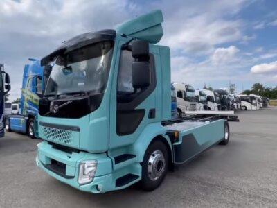 Íme az első magyarországi sorozatgyártásban készült villanymotoros teherautó (videó)