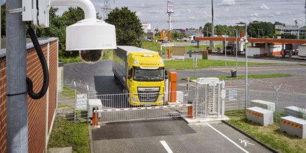 Új, biztonságos parkoló Köln mellett – 40 teherautónak van hely