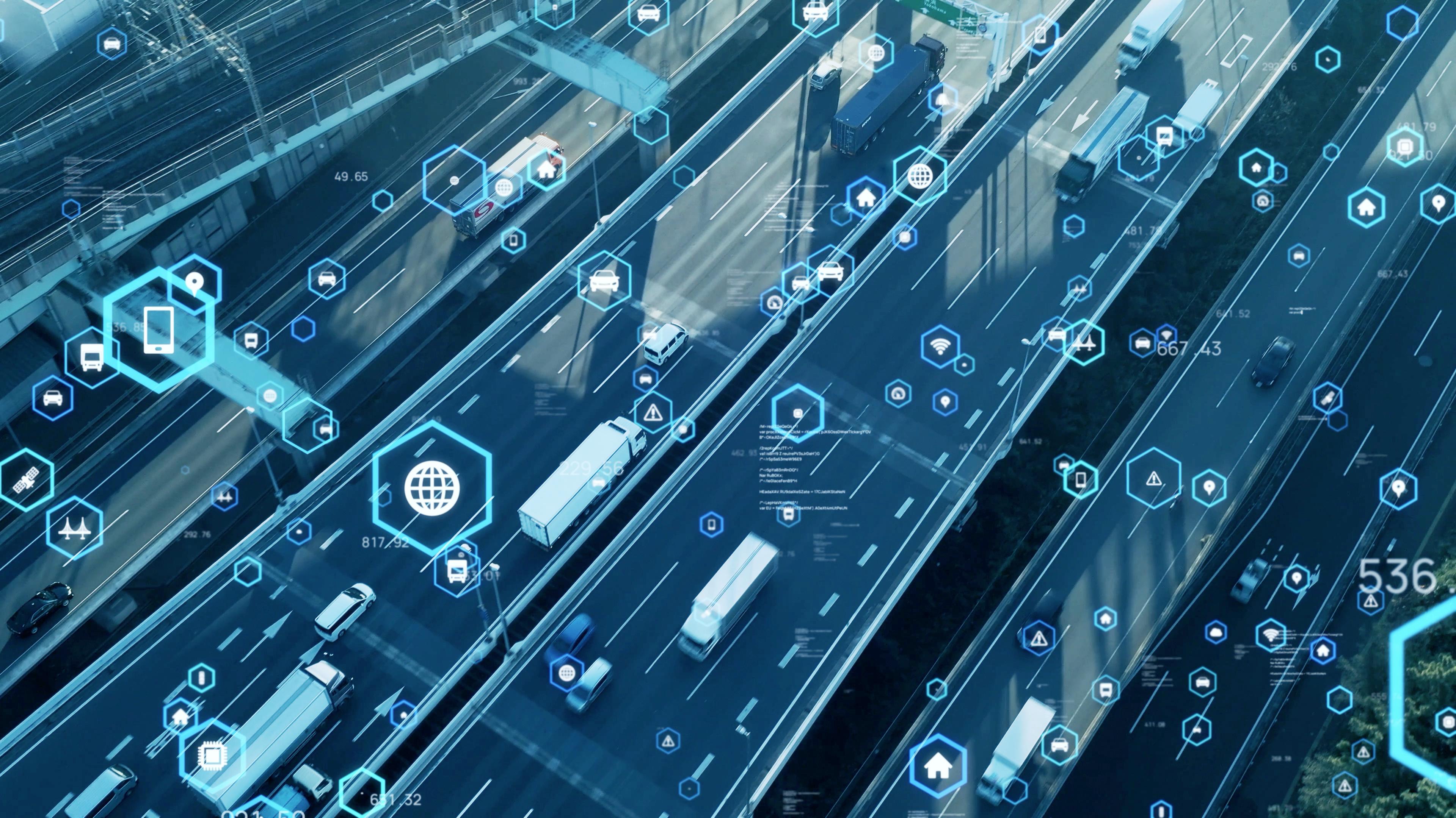 Czy jesteś gotowy na nowy system poboru opłat drogowych? Wybierz najdogodniejszy dla siebie sposób przekazywania danych lokalizacyjnych do e-TOLL
