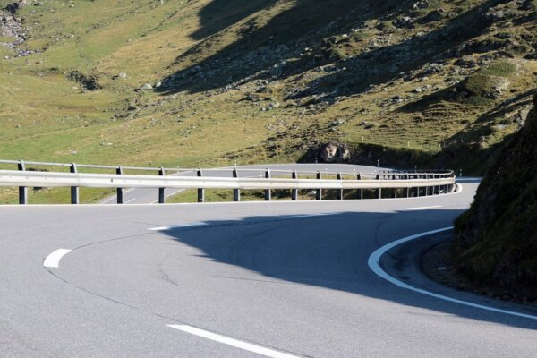 Od jutra radykalny wzrost mandatów za przekroczenie prędkości. Ten kraj wytacza ciężkie działa przec