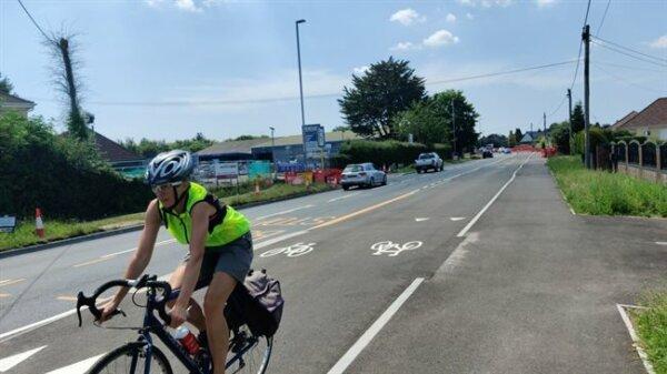 Cykliści się cieszą, kierowcy ciężarówek klną. Ta ścieżka rowerowa wywołała chaos