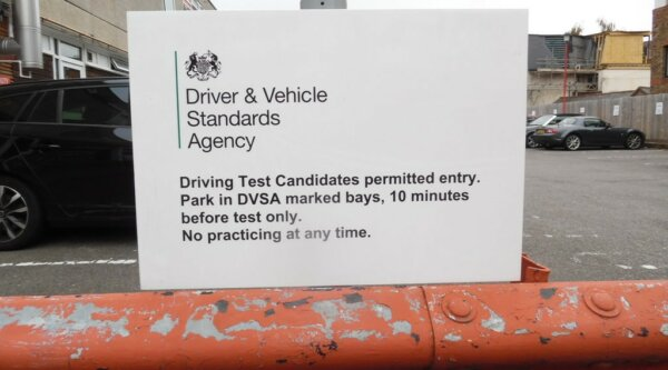 DVSA seeks extra 40 examiners to help reduce lorry driver shortage