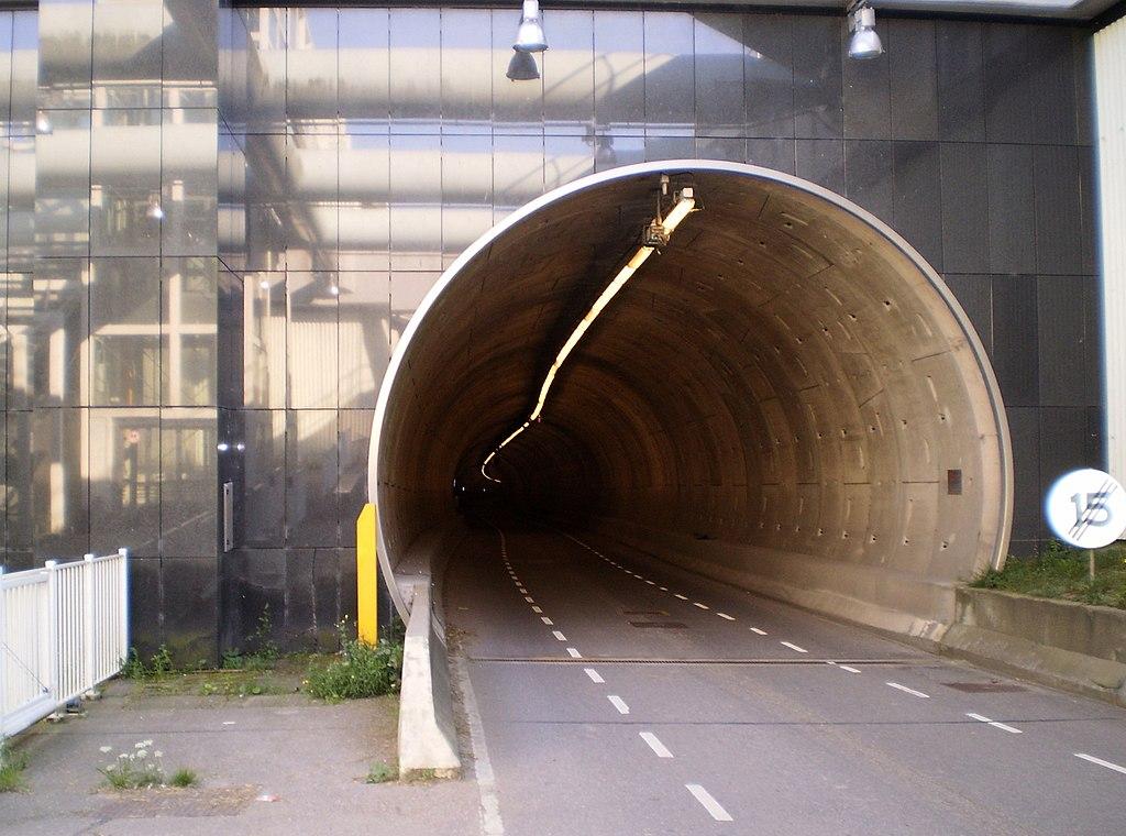 Tunel na autostradzie pod Rotterdamem będzie zamknięty. Sprawdź objazdy