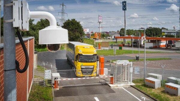 Gute Nachrichten für Lkw-Fahrer. Ein neuer, sicherer Parkplatz wurde geöffnet