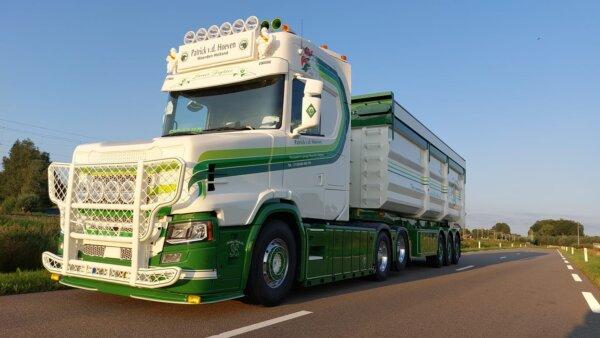 Marzysz o nowej Scanii T? Ta firma może przerobić szwedzkie ciężarówki na model nieprodukowany od 16
