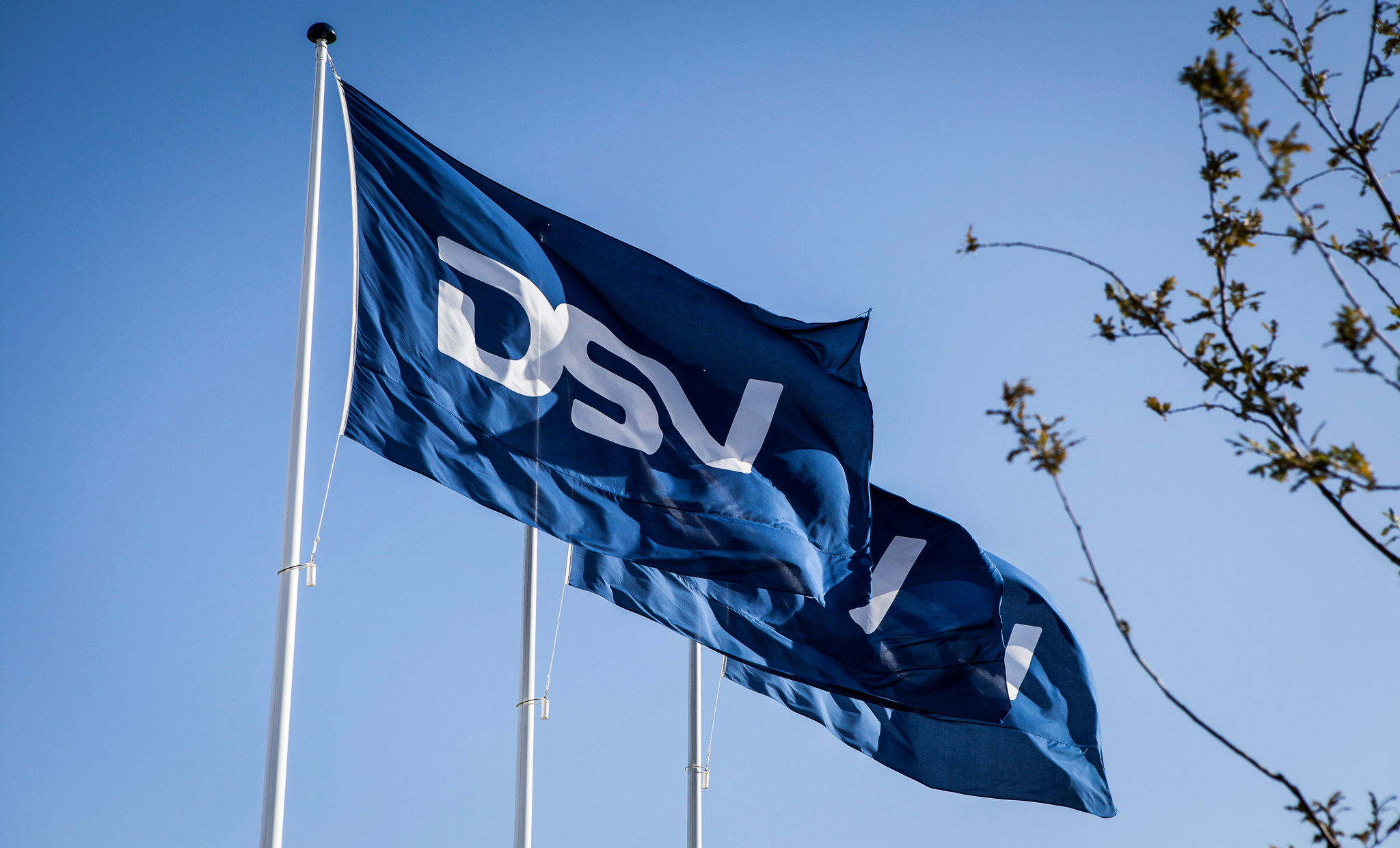 """DSV CFO: """"we will definitely look at"""" DB Schenker acquisition if company is sold"""