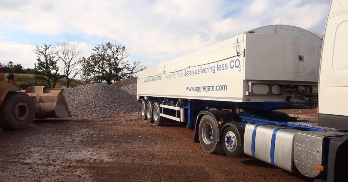 Могут ли полуприцепы решить проблемы с отсутствием водителей грузовиков? Эта британская компания считает, что да.