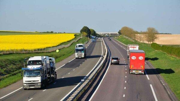 Tarifele pentru transportul rutier în Europa continuă să crească