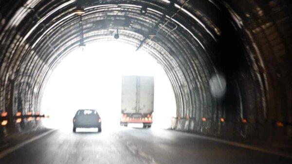 Transportatorii italieni solicită eliberarea mai multor permise de muncă pentru șoferii de camion st