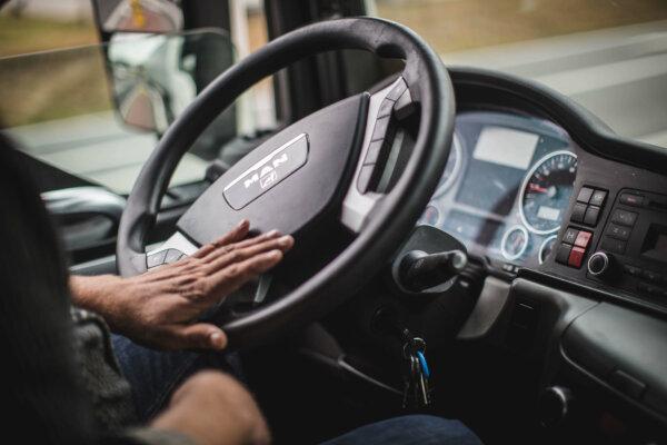 Spanischer Transportverband fordert Verbot des Be- und Entladens durch Fahrer