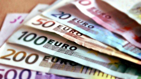 """Transportator italian: """"Angajez șoferi de camion, ofer salariu de 3.000 de euro"""". Pentru cele 60 de"""
