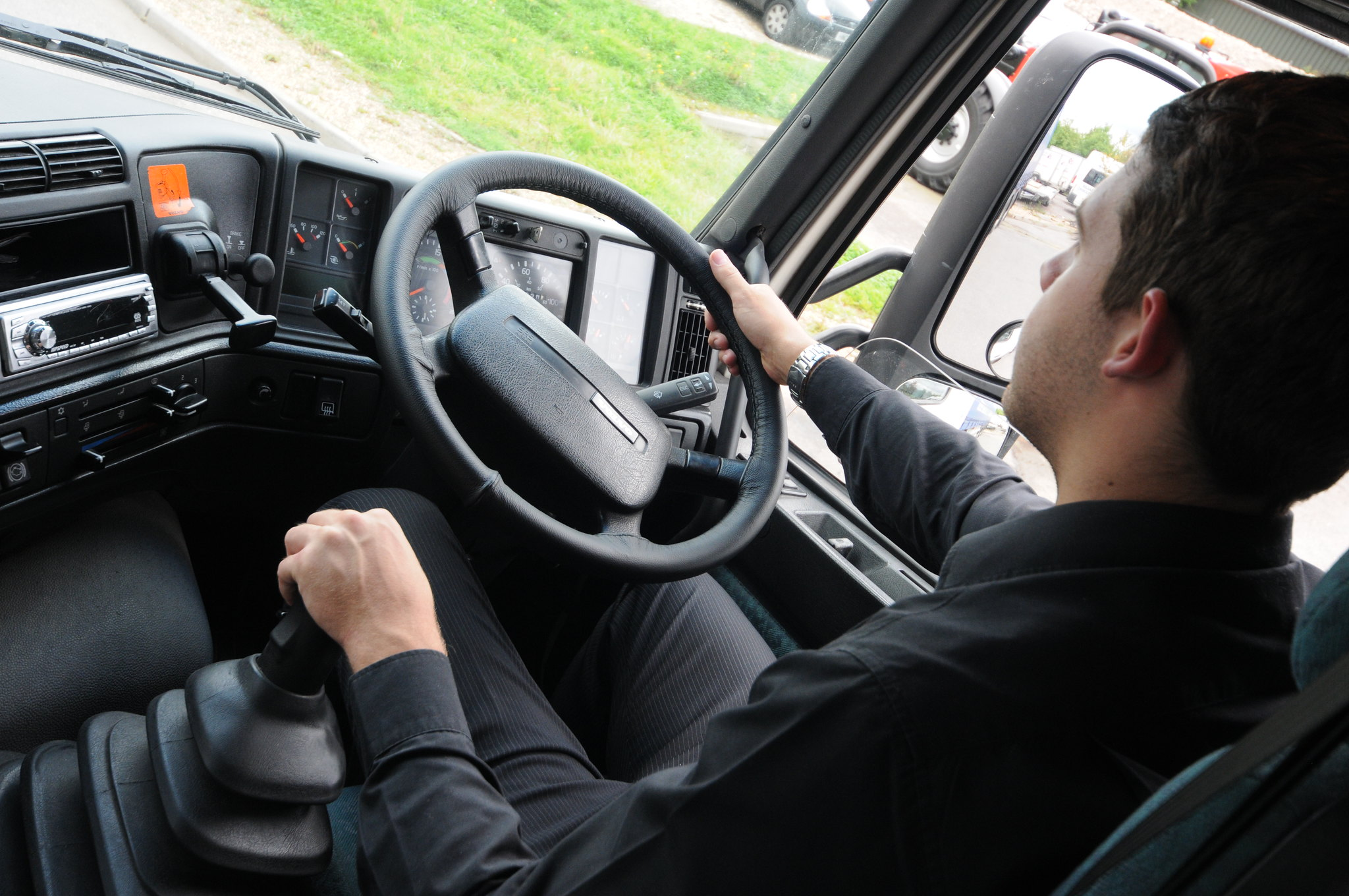 DVSA launches consultation on lorry driving test changes