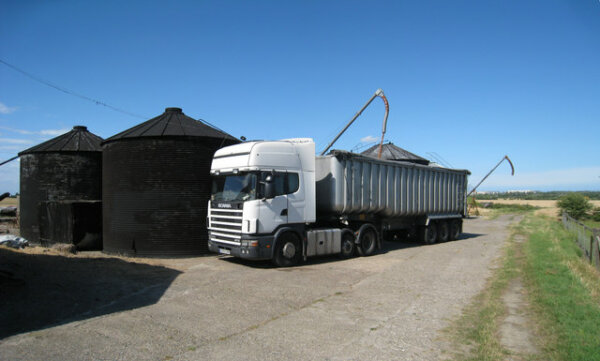 """Farmers concerned by delivery delays and """"in no position"""" to pay increased haulage rates"""