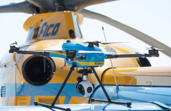 Vairuotojai, esate stebimi iš viršaus! Ispanai investavo į keliasdešimt dronų kelių stebėjimui