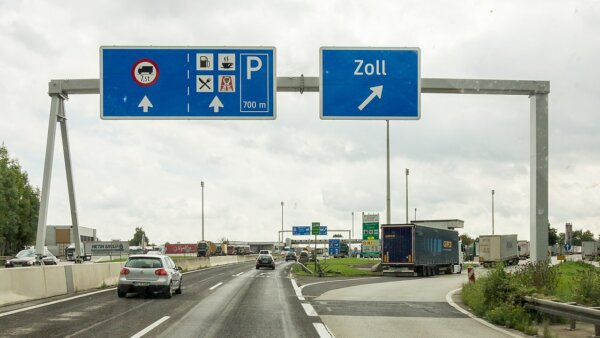 Mától 2x annyiba kerül a gyorshajtás Ausztriában; a maximáls bírság 5000 euró