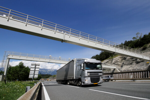 75% útdíj-kedvezményt kapnak a null-kibocsátású teherautók Ausztriában
