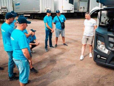 O companie de transport vine cu măsuri concrete pentru a rezolva problema lipsei de șoferi