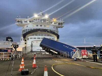 Водитель грузовика из Беларуси скончался от сердечного приступа на паромном терминале в Дюнкерке