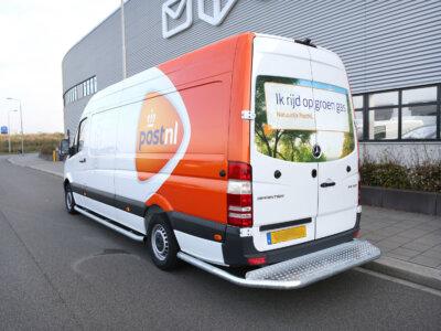 828 000 eurós bírság a holland futár cégekre. Köztük van a posta is