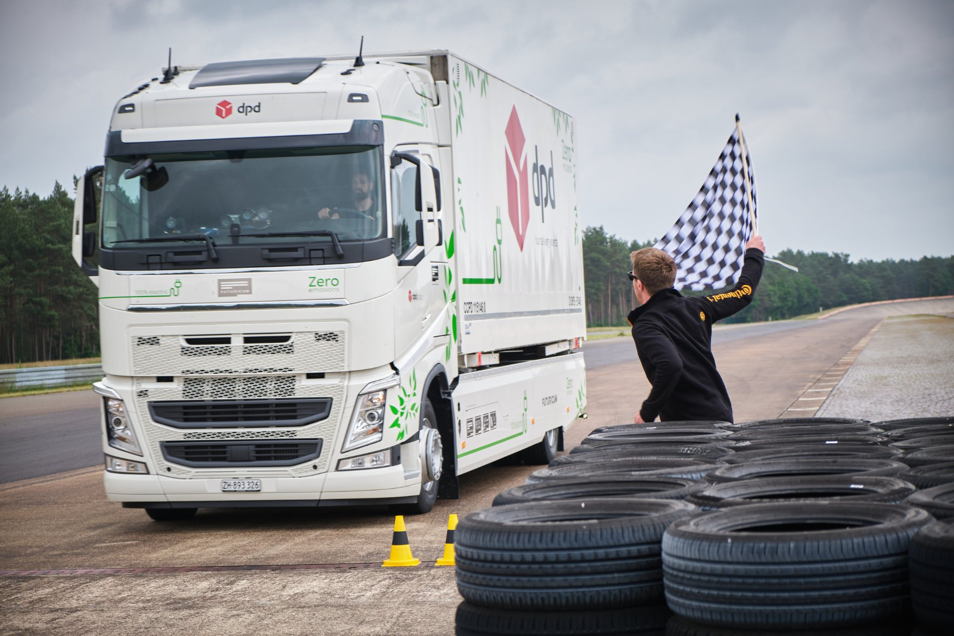 Electric rigid lorry secures Guinness World Record after going over 1,000km without recharging