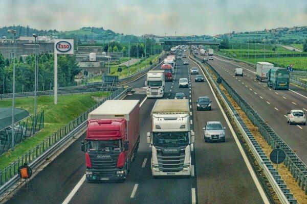 LKW-Fahrverbote im September: Feiertage in Nachbarländern, der Slowakei und Einschränkungen in Bulga