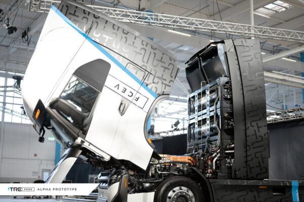 Nikola teherautó-gyár nyílt Németországban. Kezdésnek évi 1000 kamion gurul le a gyártósorról