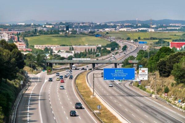 Spania – Scutiri de taxe auto pe 500 km de autostradă