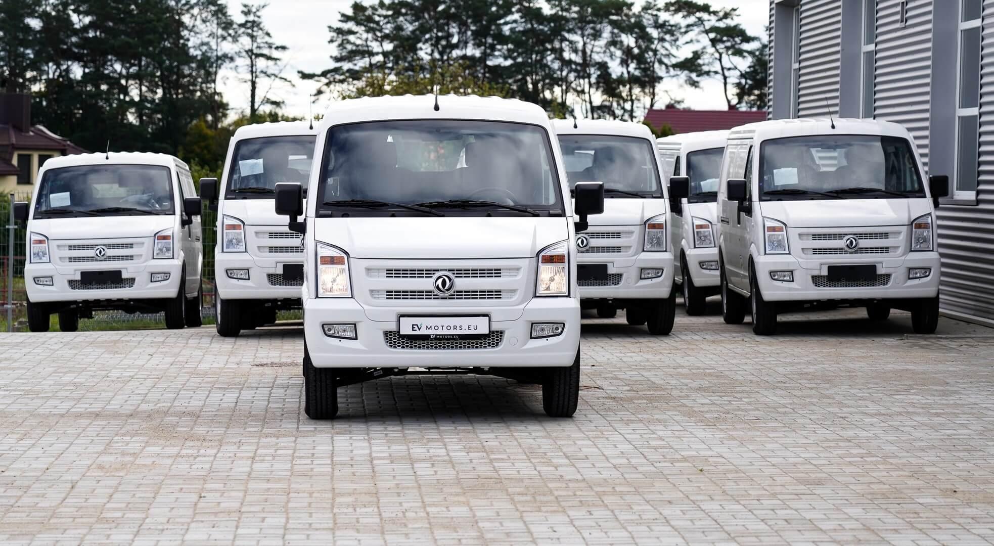 """""""Busnex"""" pristatė elektrinius krovininius mikroautobusus """"EC35"""""""