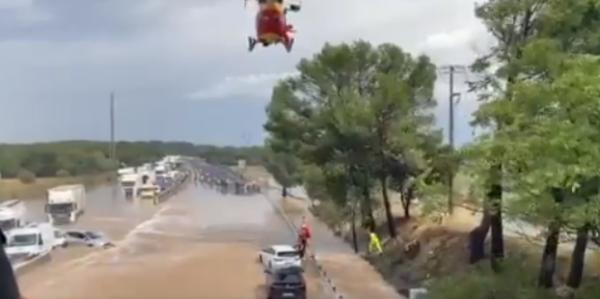 BREAKING NEWS — Franța I Zeci de vehicule blocate pe A9 din cauza inundațiilor; autostrada a fost în
