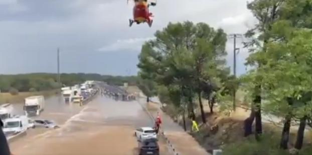 BREAKING NEWS — Franța I Zeci de vehicule blocate pe A9 din cauza inundațiilor; autostrada a fost închisă temporar