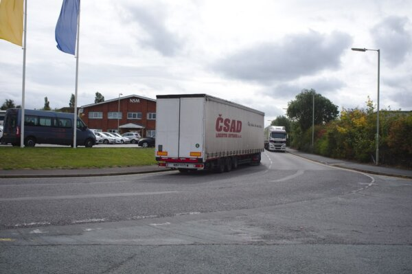 UK Government confirms trucker visa scheme as desperate letter is sent to former HGV drivers