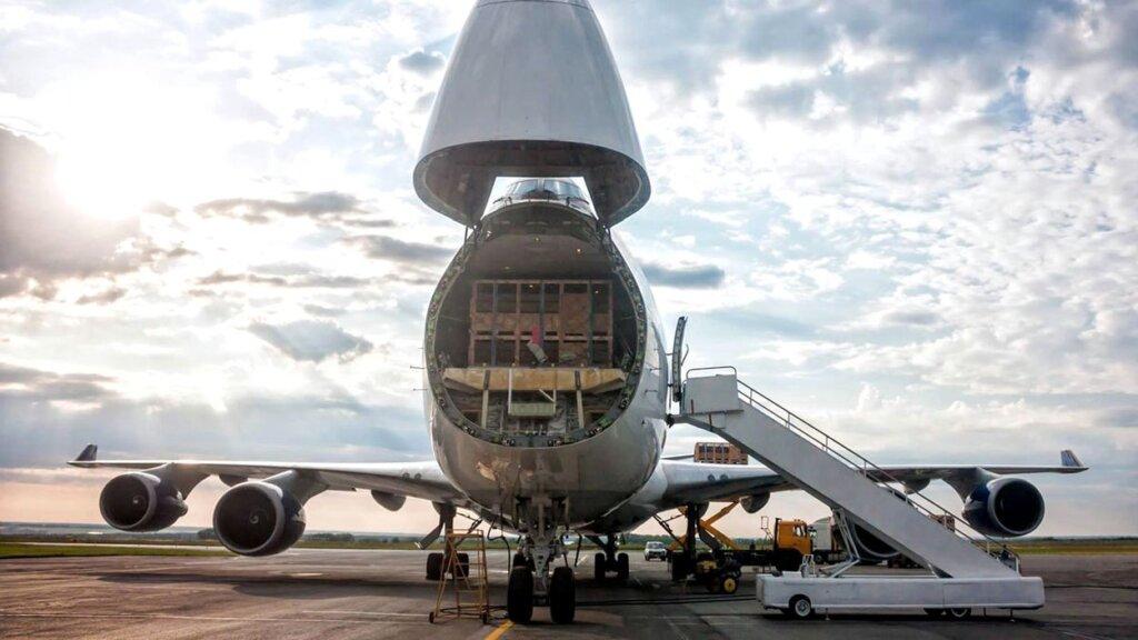 Курьерские компании оставили позади традиционных авиаперевозчиков