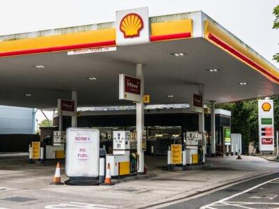 Brit benzinhiány-pánik: 5000 külföldi kamionos kaphat karácsonyig érvényes vízumot. De kinek kellene