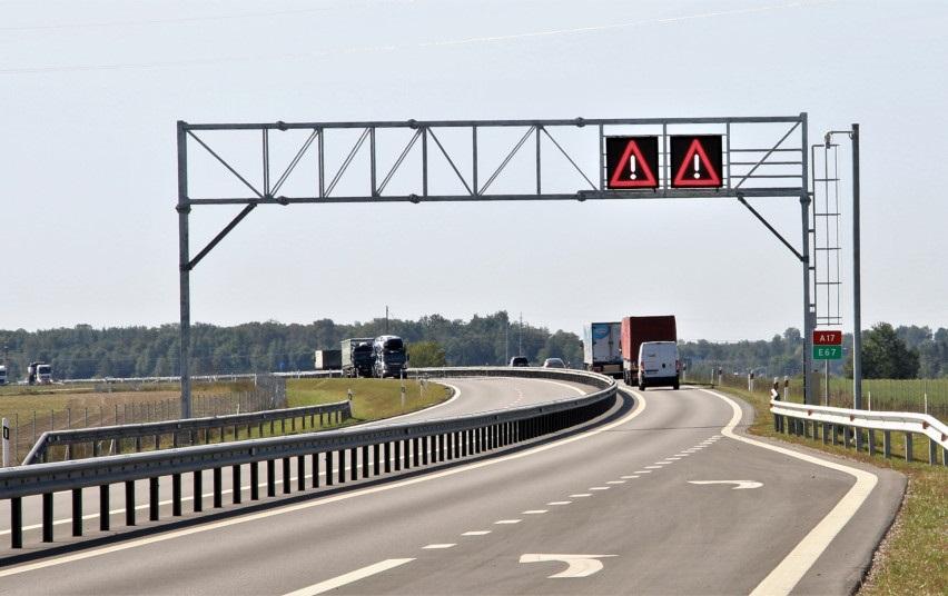 """Magistralėje """"Via Baltica"""" bus įrengta kintamos informacijos ženklų"""