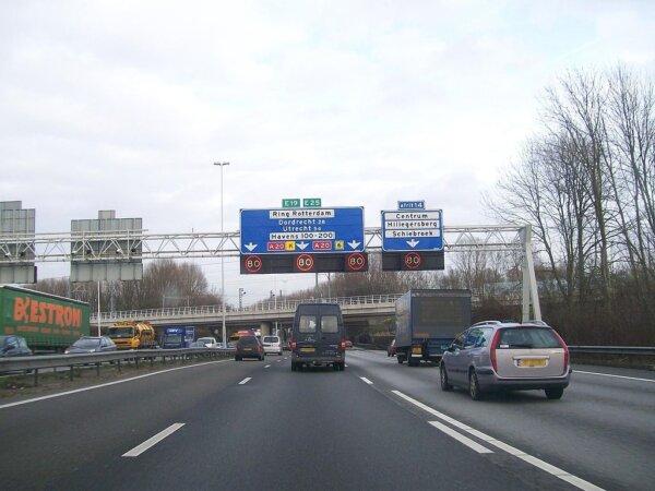 Țările de Jos I Introducerea noii taxe rutiere – cu 200 de milioane de euro mai scumpă decât a fost