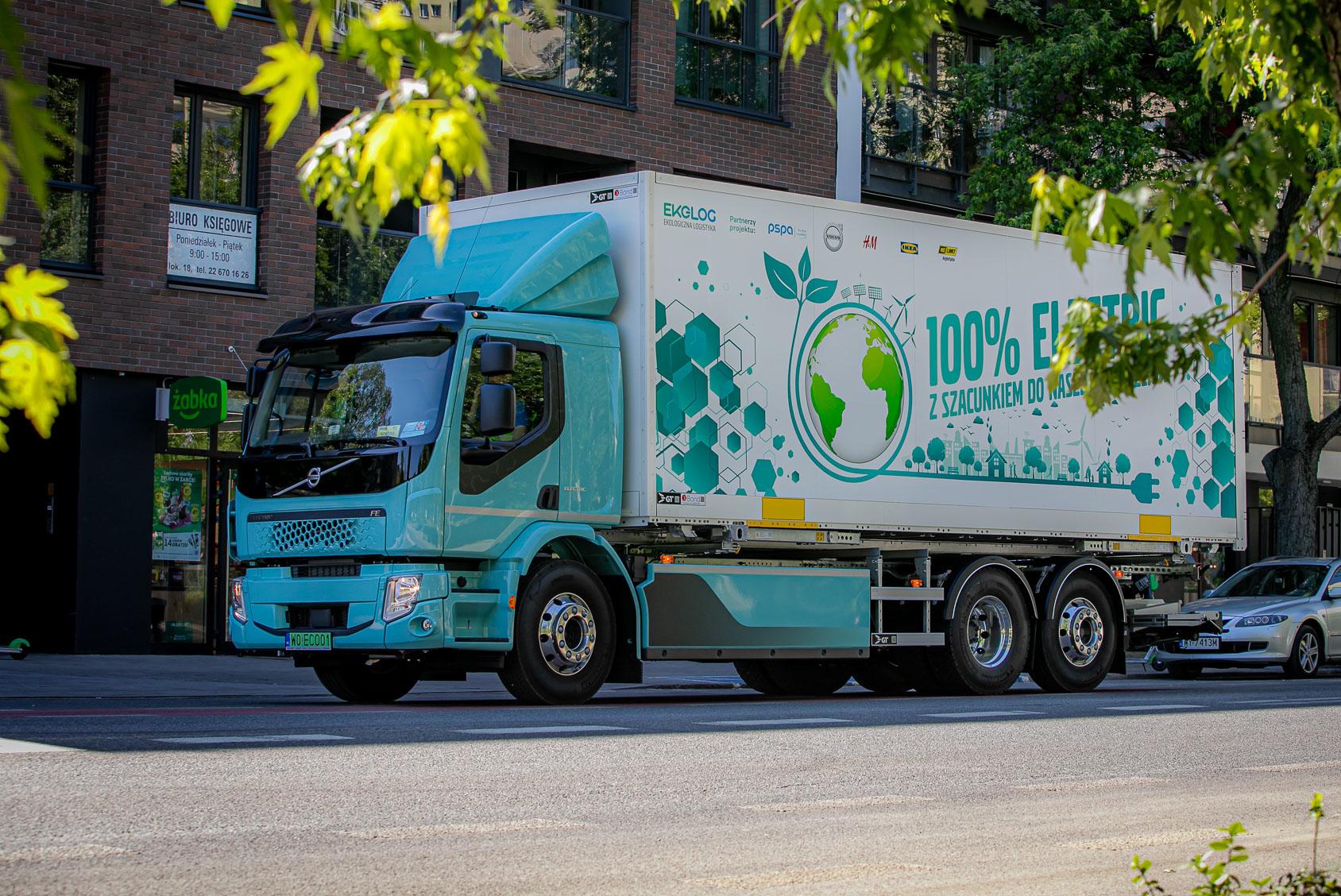 Oszczędności rzędu 52 proc. – są wyniki polskich testów elektrycznej ciężarówki w logistyce miejskiej