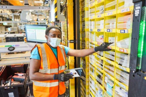 Amazon va deschide opt noi centre logistice în Germania