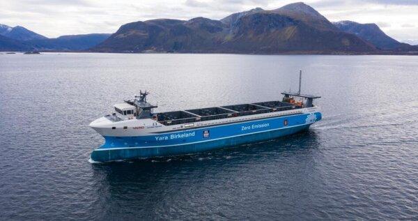 A fost lansată prima navă cargo complet electrică și autonomă