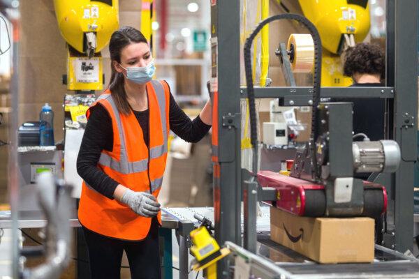 Amazon i Poczta Polska rekrutują do pracy centrach logistycznych