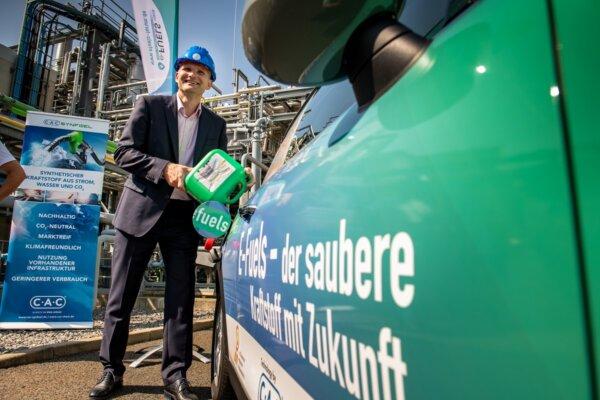 """""""Zöld"""" benzint fejlesztett ki a német cég – áttörés a klímavédelemben?"""