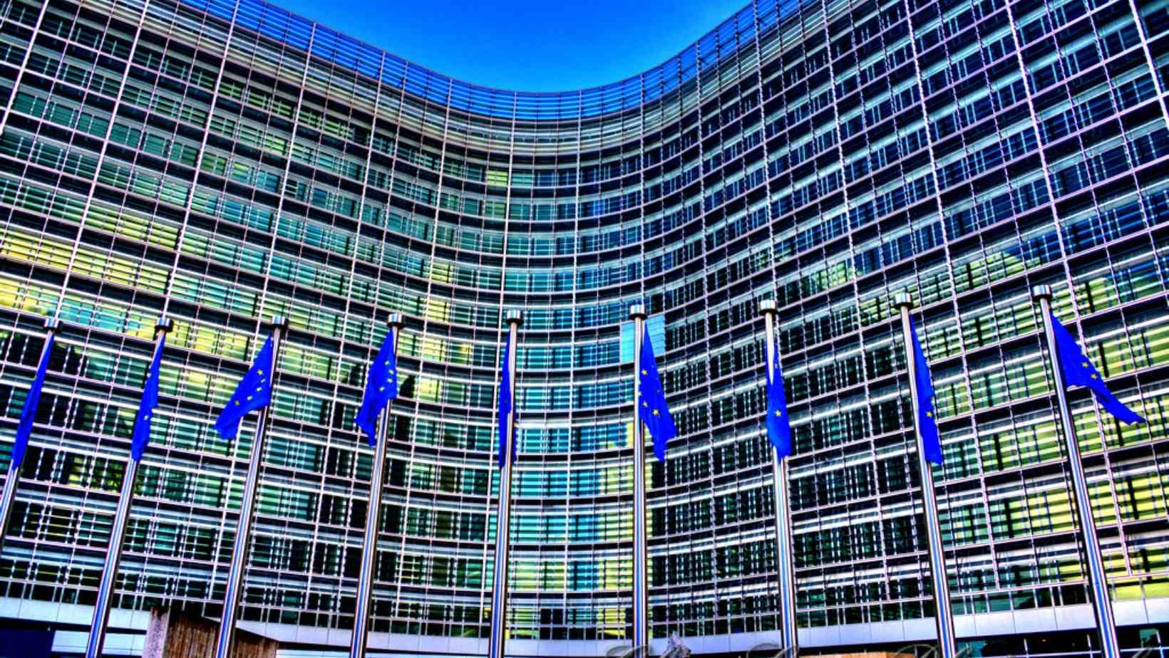 Consultare publică lansată de Comisia Europeană cu privire la elaborarea unui plan de urgență pentru sectorul transporturilor pe perioada pandemiei