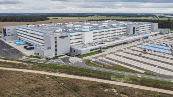 3 tys. robotów i 3,9 tys. paneli słonecznych – Amazon otworzył kolejne centrum logistyczne w Polsce