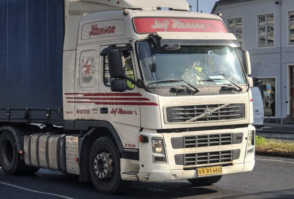 Danish haulier offers 4-day week to attract drivers and boost job satisfaction