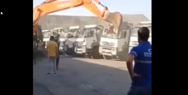 Sfrustrowany Turek zniszczył ciężarówki w spektakularny sposób. Bo szef odmówił mu wypłaty