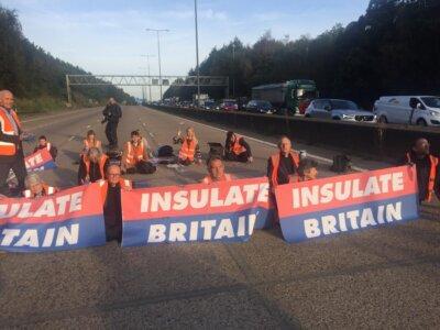 Gorący dzień na brytyjskich drogach. Sąd zakazuje blokowania autostrad, ale aktywiści nadal to robią
